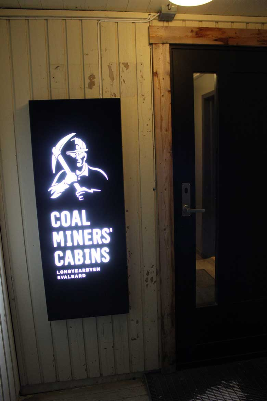 Coal Miners' Cabins Longyearbyen Spitzbergen © Ines Erlacher und Thomas Mussbacher