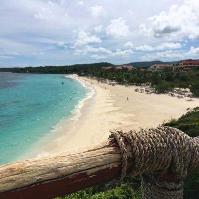 Blick auf die Playa Esmeralda vom Weg des Las Guanas Trail Kuba Karibik Naturschutzgebiet www.gindeslebens.com