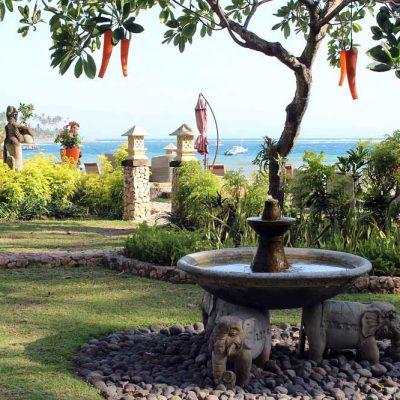 Anlage Blick auf das Meer Sheraton Senggigi Beach Gartenanlage Indonesien Asien Hoteltipp, Sehenswertes und Reisebericht Lombok unbekannte Perle Indonesiens www.gindeslebens.com