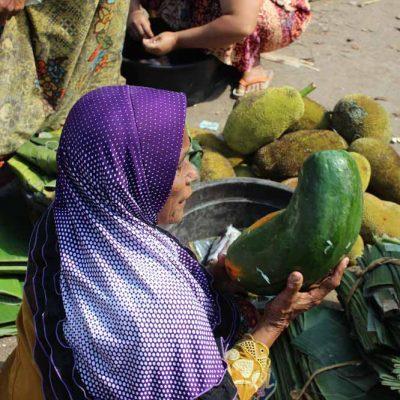 Einkaufen Markt Pasar Gunungsari Lombok Indonesien Asien Hoteltipp, Sehenswertes und Reisebericht Lombok unbekannte Perle Indonesiens www.gindeslebens.com