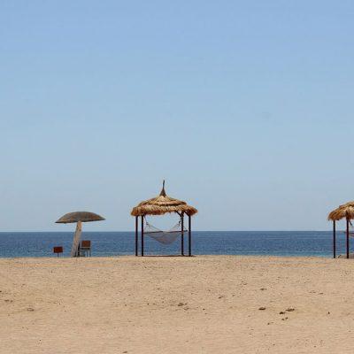 Hängematten am Strand Hotel Gorgonia Beach Marsa Alam Ägypten Tauchparadies in der Krise Afrika www.gindeslebens.com