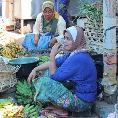 Obst am Marktplatz Pasar Gunungsari Lombok Indonesien Asien Hoteltipp, Sehenswertes und Reisebericht Lombok unbekannte Perle Indonesiens www.gindeslebens.com