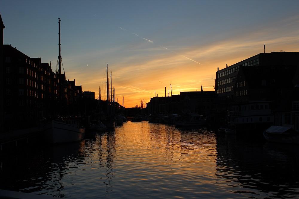 Sonnenuntergang Nyhavn Sehenswürdigkeiten Kopenhagen www.gindeslebens.com