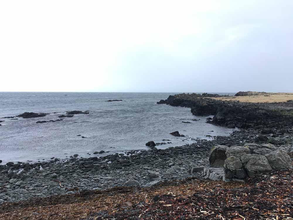 Strand Halbinsel Vatnsnes Islands Norden Roadtrip Island gindeslebens.com © Thomas Mussbacher und Ines Erlacher
