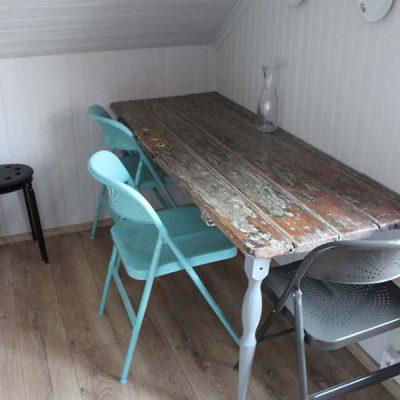 Esstisch Old Charm Apartment Reykjavík Roadtrip Island gindeslebens.com © Thomas Mussbacher und Ines Erlacher