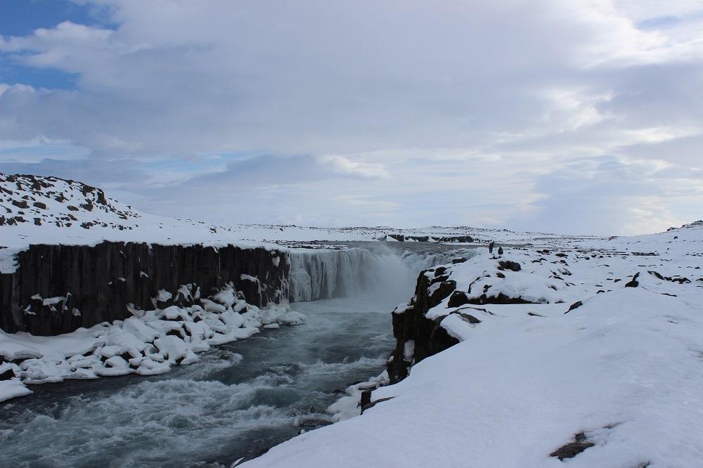 Wasserfall Selfoss Fahrt entlang der Ostküste - Roadtrip Islands Ostküste www.gindeslebens.com © Ines Erlacher und Thomas Mussbacher