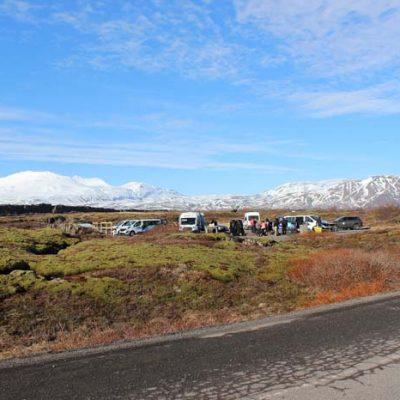 Parkplatz Silfra Diving Silfra Spalte, Þingvellir Nationalpark und Þingvallakirkja Roadtrip Island gindeslebens.com © Thomas Mussbacher und Ines Erlacher