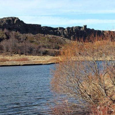 Blick auf den See im Nationalpark - Silfra Spalte, Þingvellir Nationalpark und Þingvallakirkja Roadtrip Island gindeslebens.com © Thomas Mussbacher und Ines Erlacher