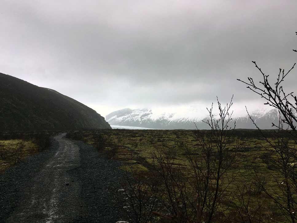 Blick auf den Vatnajökull Gletscher im Nationalpark Island Roadtrip Südküste gindeslebens.com © Thomas Mussbacher und Ines Erlacher