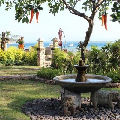 Sheraton Senggigi Lombok Gartenanlage Heiratsantrag und Hochzeit im Ausland www.gindeslebens.com