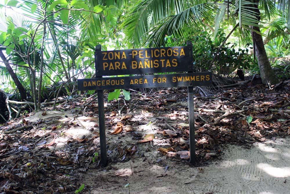 Warnschild Strömung Nationalpark Cahuita Costa Rica www.gindeslebens.com