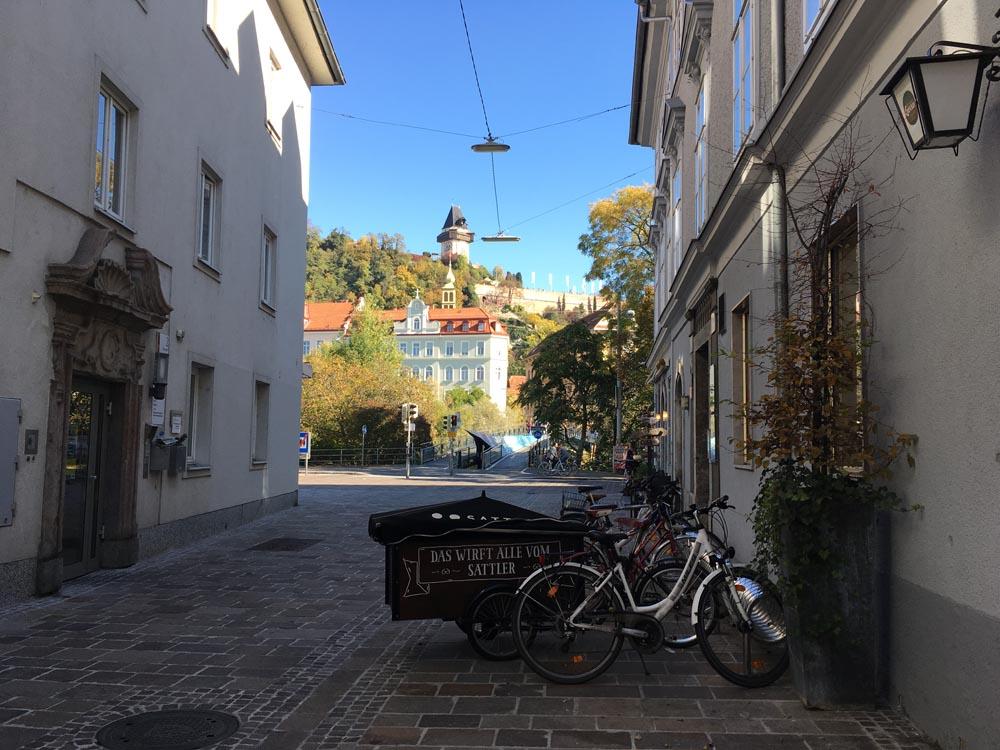 Blick auf den Schlossberg Blogparade Heimatliebe www.gindeslebens.com