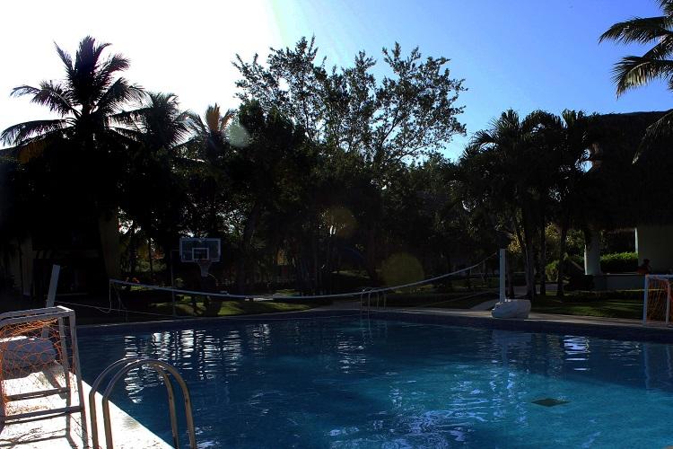 Pool für Ballspiele Iberostar Hacienda Dominicus www.gindeslebens.com