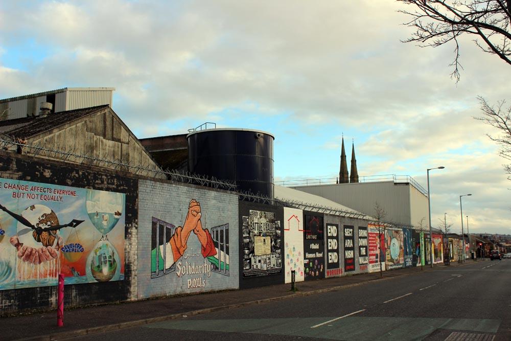 Murals in Belfast – Streetart, eine Kunstform die Geschichte erzählt
