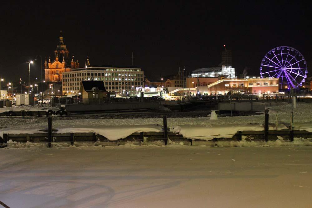 Helsinki bei Nacht Sehenswürdigkeiten Helsinki mit der Helsinki Card - Finnland im Winter www.gindeslebens.com