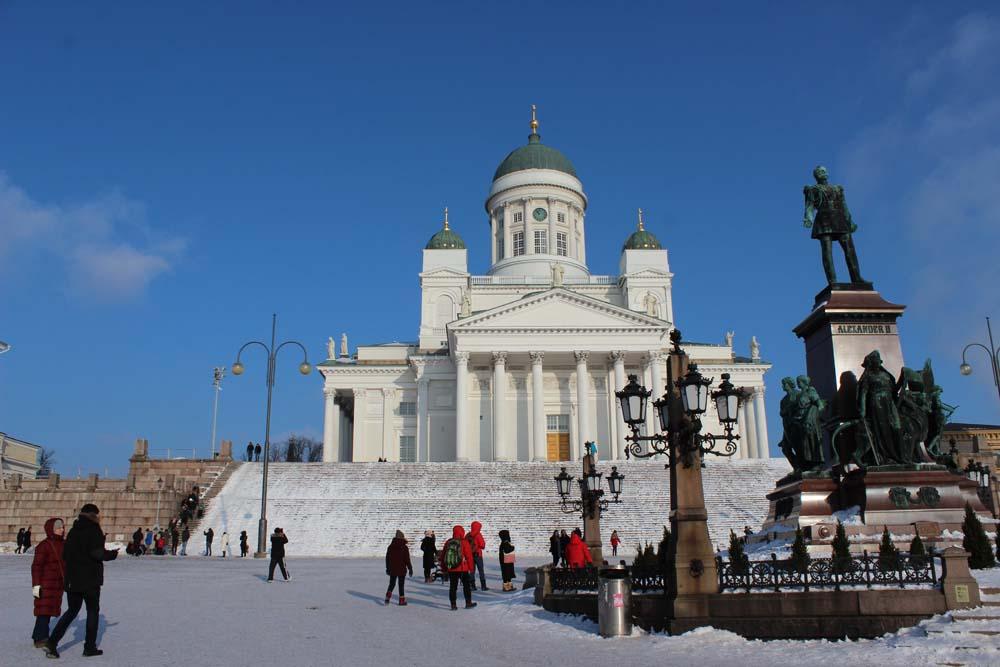 Dom Helsinki - Helsinki Sehenswürdigkeiten - Aktivitäten & Tipps mit der Helsinki Card www.gindeslebens.com