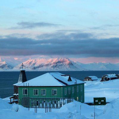 Barentsburg Schneemobil Tagesausflug Spitzbergen Adventures www.gindeslebens.com