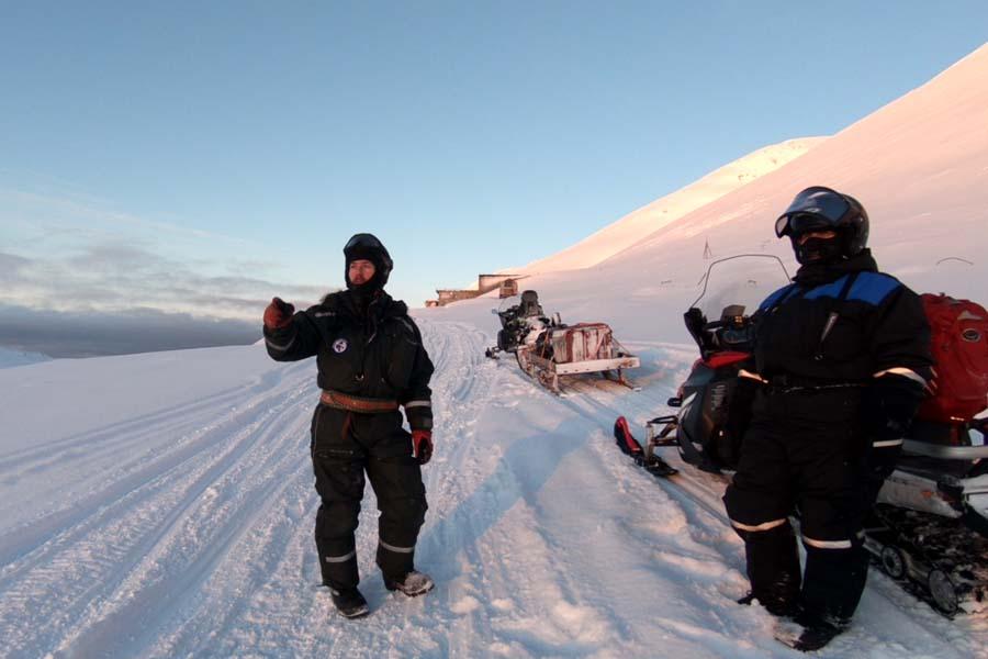 Schneemobilexpedition Spitzbergen Adventures www.gindeslebens.com