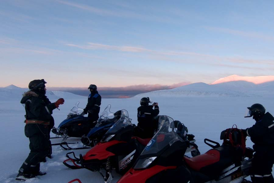 Schneemobilexpedition Barentsburg Spitzbergen Adventures www.gindeslebens.com