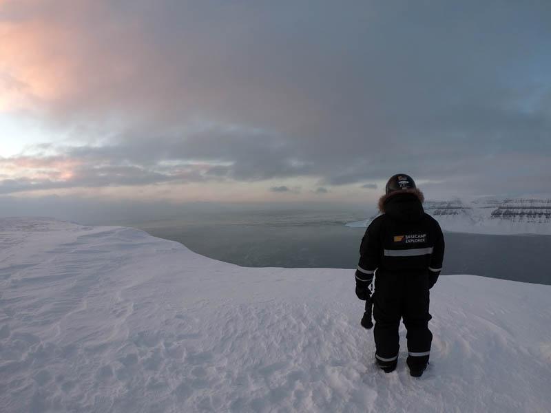 Arctic Treasures Schneemobiltour - Tagestour zum Tempelfjord - Wetter Spitzbergen, beste Reisezeit Spitzbergen, Spitzbergen Reise Spitzbergen Reise - Aktivitäten, Ausflüge und Touren in der Arktis im Winter www.gindeslebens.com