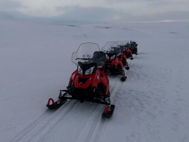Arctic Treasures Schneemobiltour - Tagestour zum Tempelfjord www.gindeslebens.com.JPG