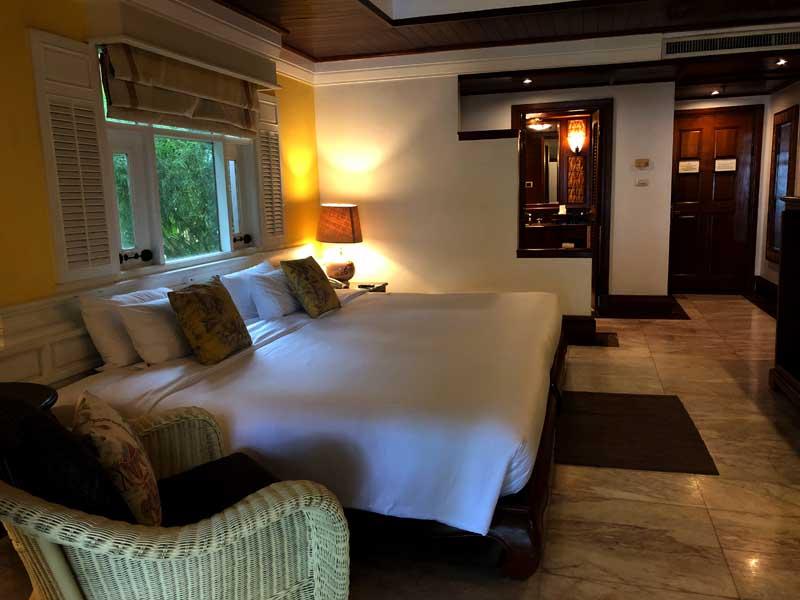Zimmer mit Poolzugang Thavorn Beach Village Resort & Spa Phuket Hotelreview www.gindeslebens.com