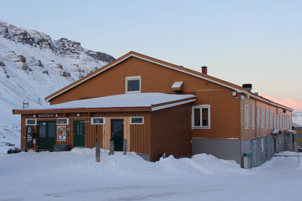 Coal Miners' Cabins Spitzbergen Reise – Hotels und Restaurants in Longyearbyen www.gindeslebens.com