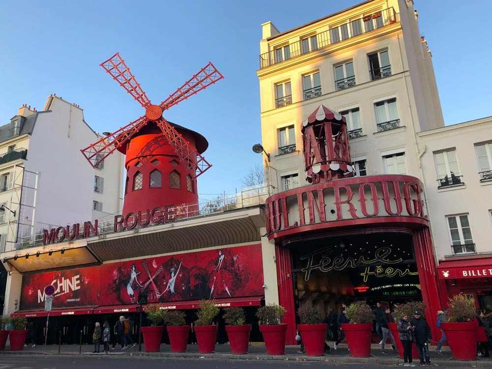 Moulin Rouge Paris Sehenswürdigkeiten - Highlights, Tipps, Hotel & Restaurants in Paris