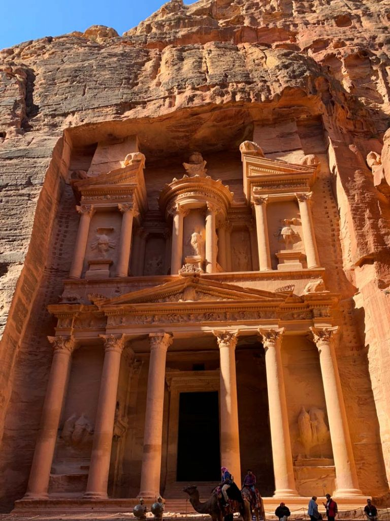 Die Schatzkammer - The Treasury (Al Khazna) – Khazne al-Firaun Bilder Petra Jordanien - Eintritt, Highlights & Tipps www.gindeslebens.com