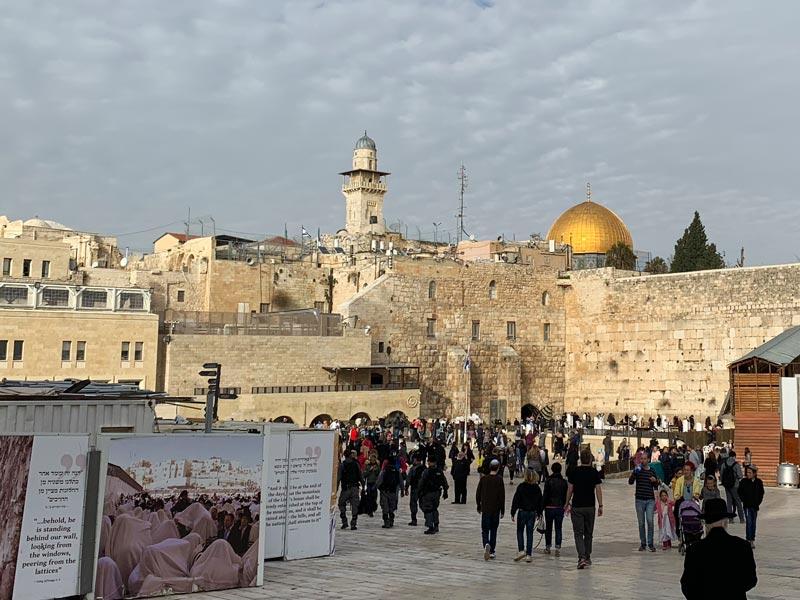Klagemauer und Felsendom in Jerusalem www.gindeslebens.com