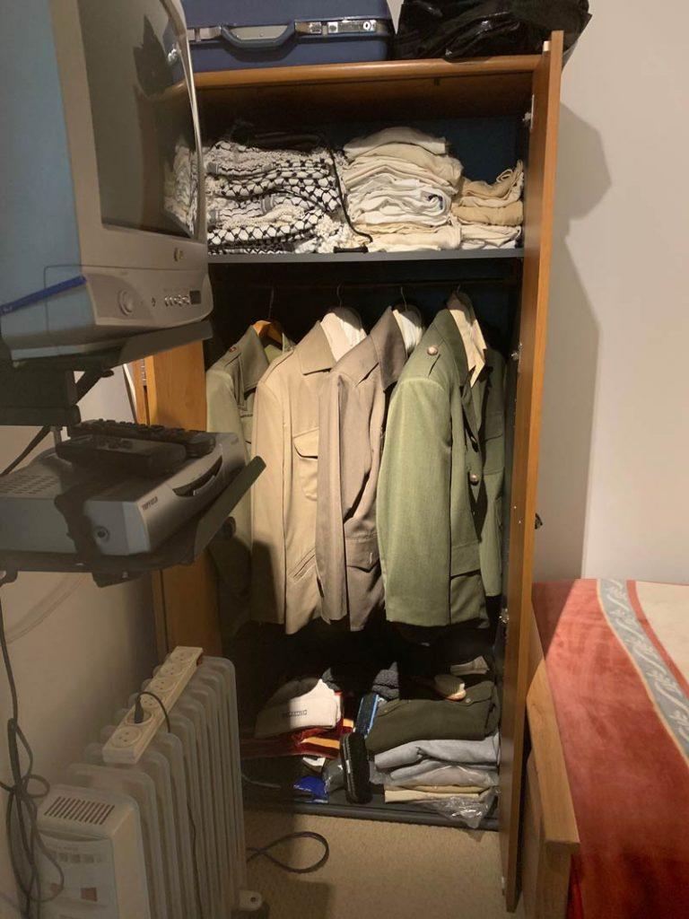 Arafats Kasten im Schlafzimmer www.gindeslebens.com