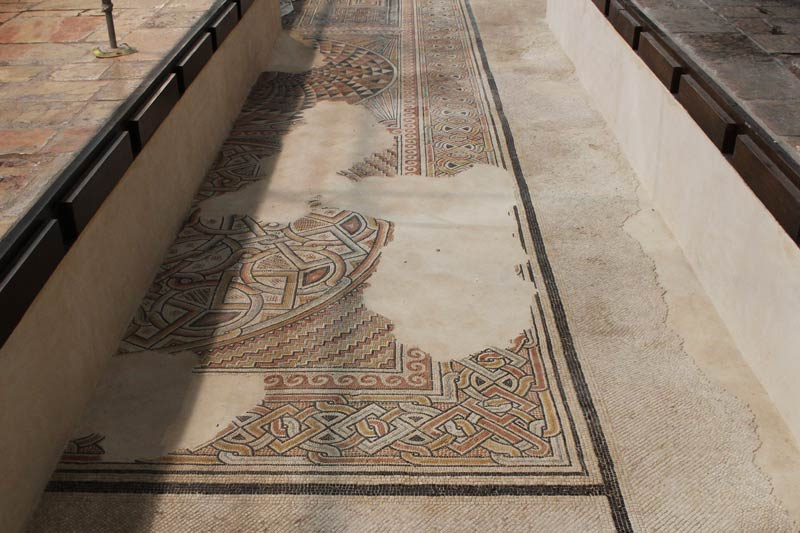 Mosaik am Boden in der Geburtskirche Bethlehem www.gindeslebens.com