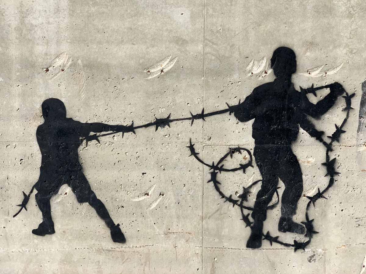 Cakes_Stencils in Bethlehem – Streetart und Murals in Palästina