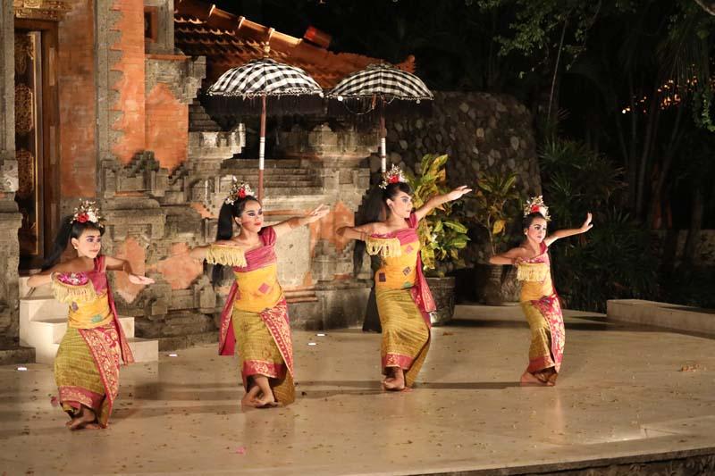 Show Pasar Senggol Grand Hyatt Bali
