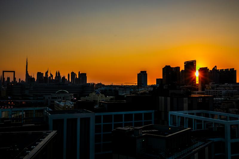 Dubai Skyline im Sonnenuntergang