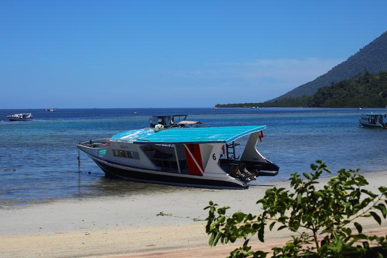 Anreise Bastianos Dive Resort Bunaken Tauchen Sulawesi Indonesien